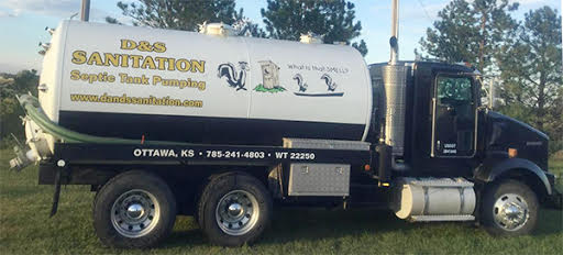 D and S Sanitation Pumping Truck